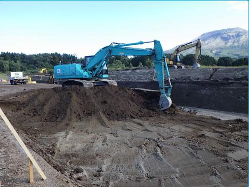 駒ヶ岳火山砂防工事(掛澗度杭崎地区)2工区 施工状況 掘削