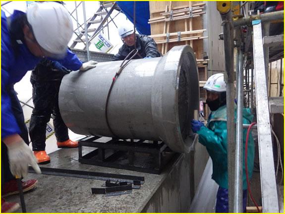 度杭崎海岸高潮対策工事 施工状況 場所打部 RC管Φ600 布設