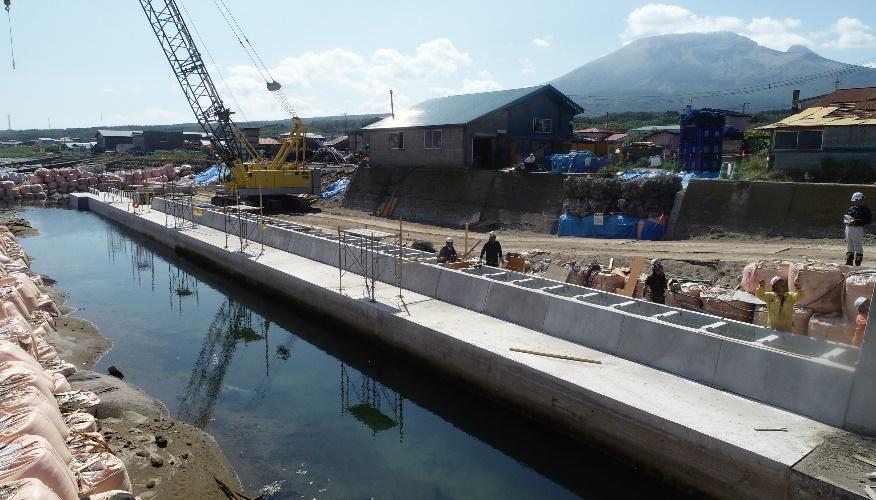 度杭崎海岸高潮対策工事(補正明許) 表法被覆工